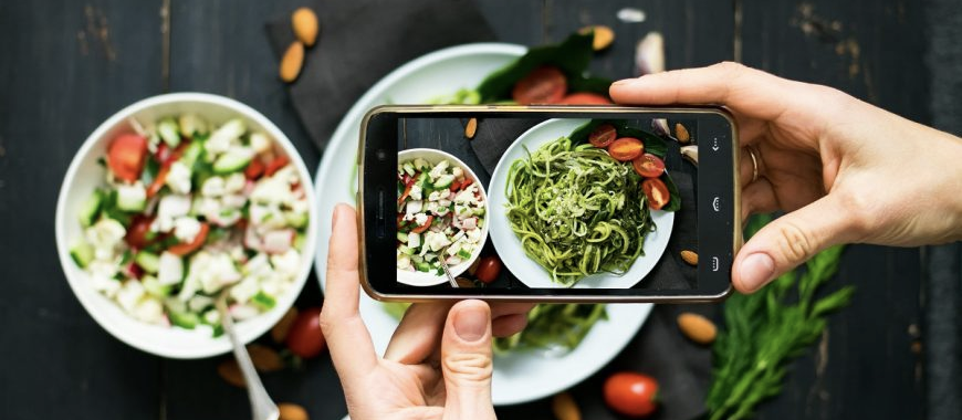Restaurant Photography Tips & Tricks: great food photography can also be done with a phone