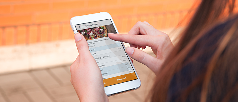 client using a restaurant mobile app
