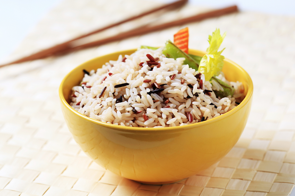 Food photography: bowl of rice on a light background