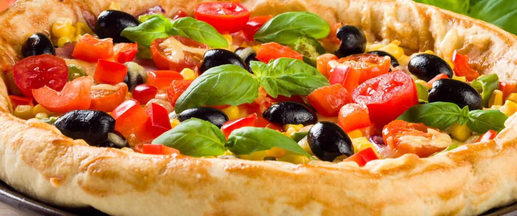 food photography tips: pizza - cropped photo