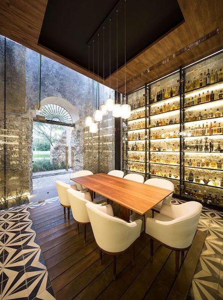 restaurant design tips: built in wall shelves