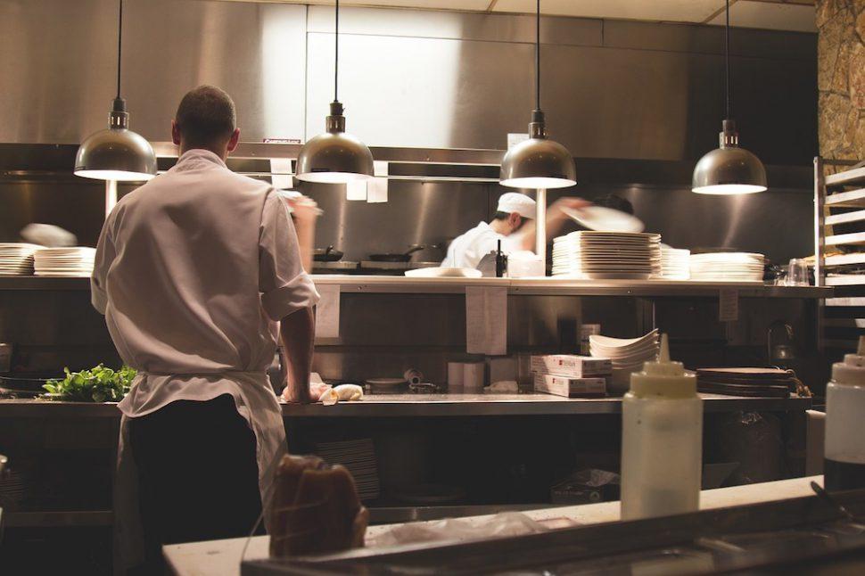 opening a restaurant checklist: kitchen equipment