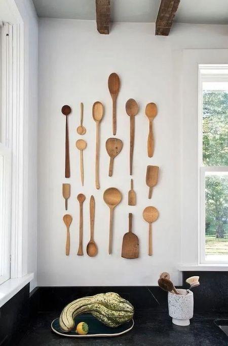 restaurant design tips: wooden utensils decorations